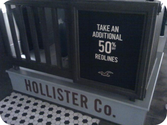 Hollister (2)